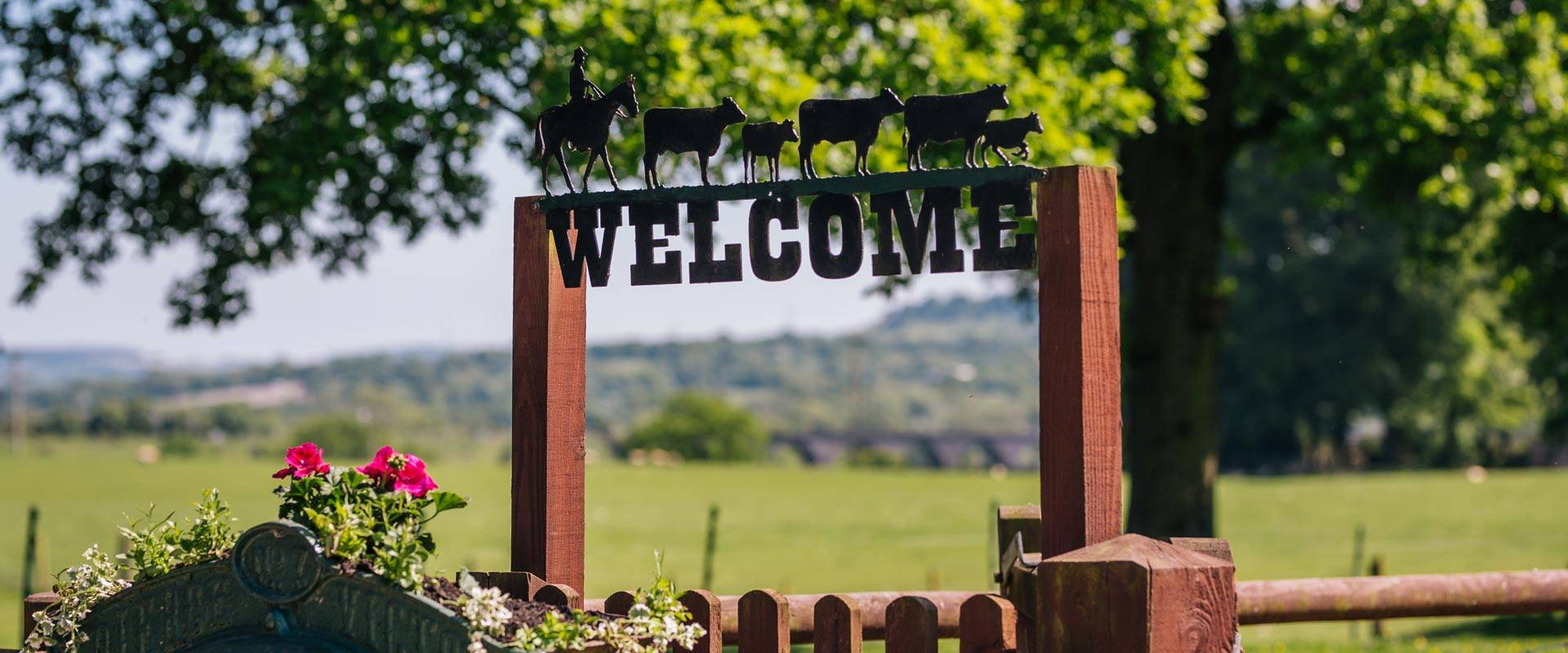 Welcome sign at Yew Tree Farm
